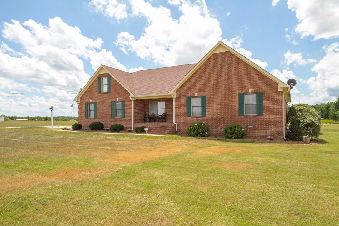 M 252 stakil dubleks ev projeleri pictures to pin on pinterest - 1626 Haynes Dr Murfreesboro Tn 37129 Brick Cape Cod 2992 Sqft 4 Bdrm 3 5bth Huge Bonus Room And A Creek Murfreesboro Tn Real Estate Pinterest Bricks