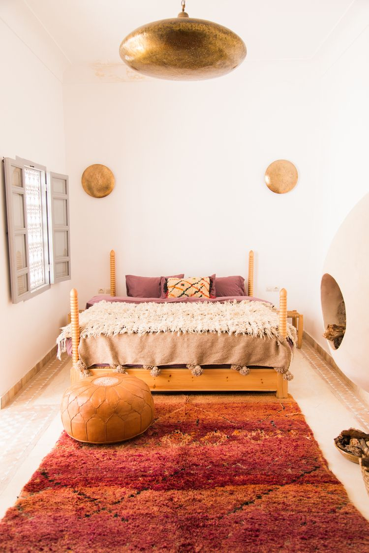 Bedroom goals space interiors eclectic decor home interior design moroccan wild also bedrooms pinterest rugs and rh