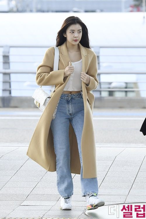 2019 Official Korean Fashion In 2020 Korean Street Fashion Airport Fashion Kpop Kpop Fashion Outfits