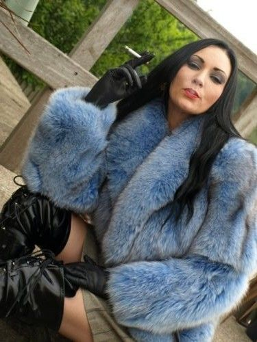 Nude girls with fur boots-4023