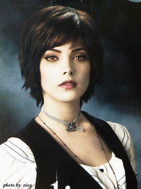 Alice Twilight Eclipse In 2020 Short Hair Styles Ashley Greene