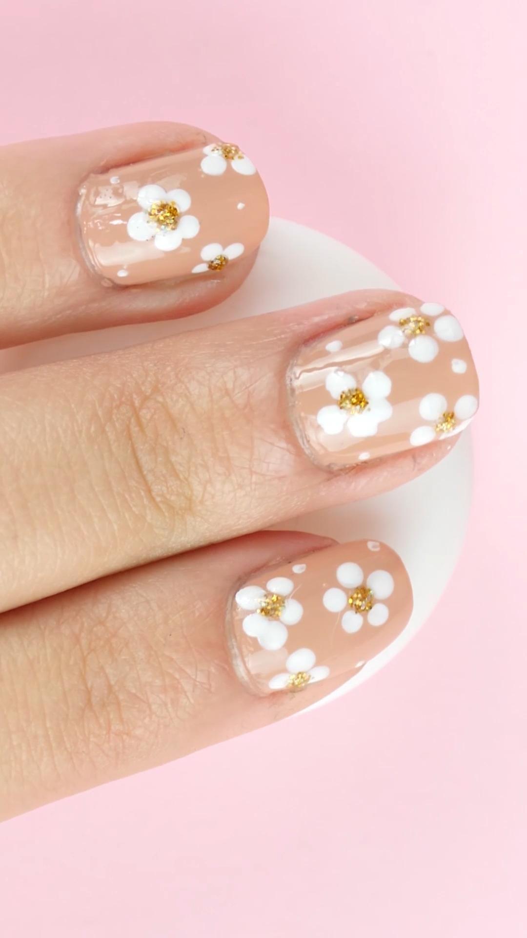 18 Lindas manicuras en uñas cortas que te fascinarán