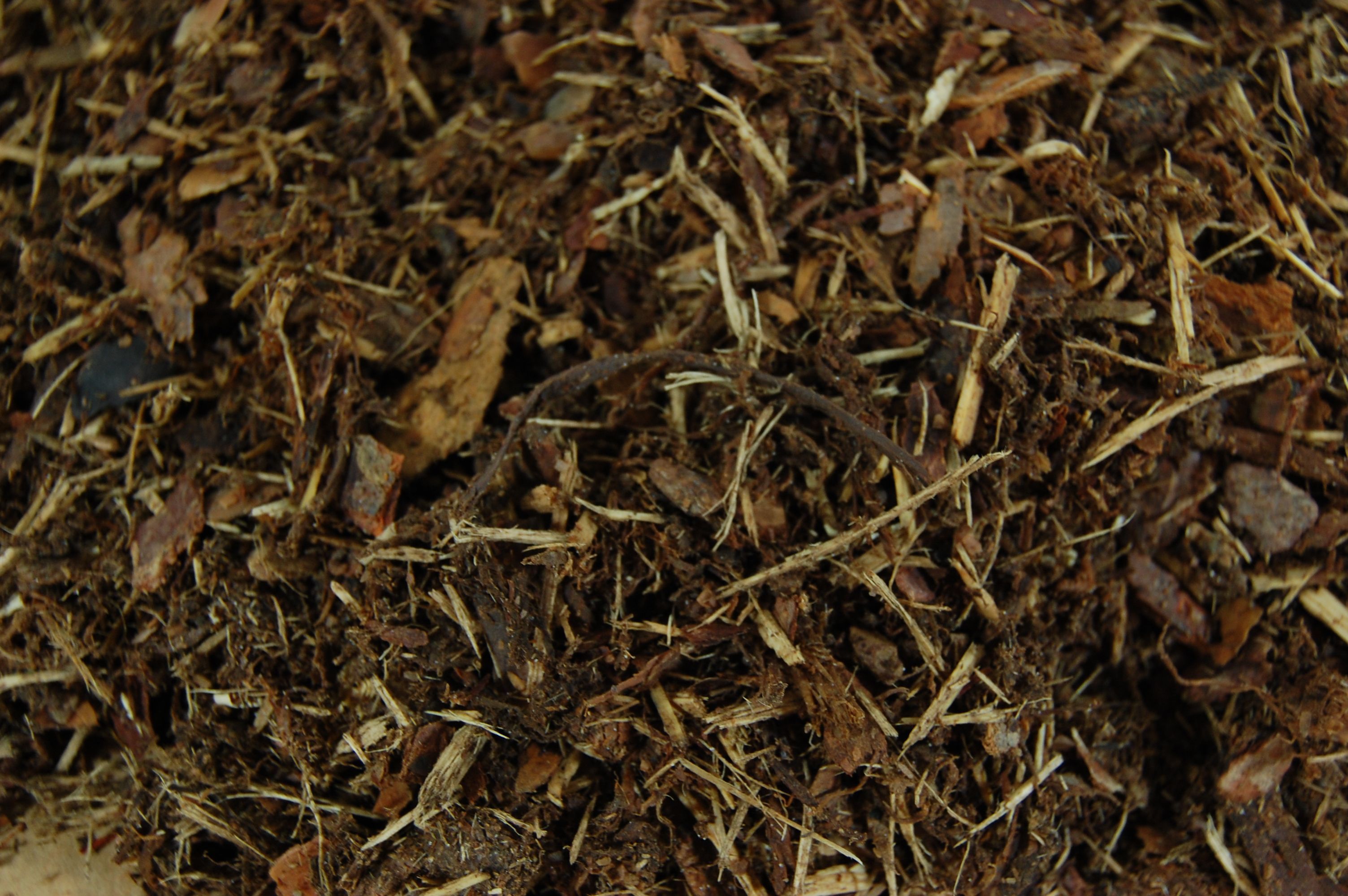 Gro Bark Mulches Spm Freshly Ground Pine Uniform Texture With Great Aroma Reddish Brown Colour Ages To Dark Low Ph Decomposing Helps