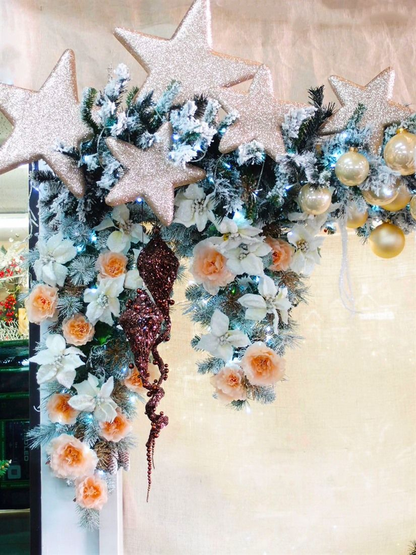 Idee creative per vetrine natalizie online fai da te for Decorazioni natalizie fai da te