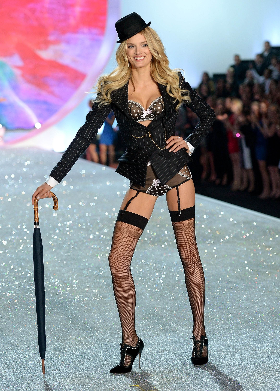 3d5c9c62791 Lily Donaldson – Victorias Secret Fashion Show Runway 2013 - 5 ...
