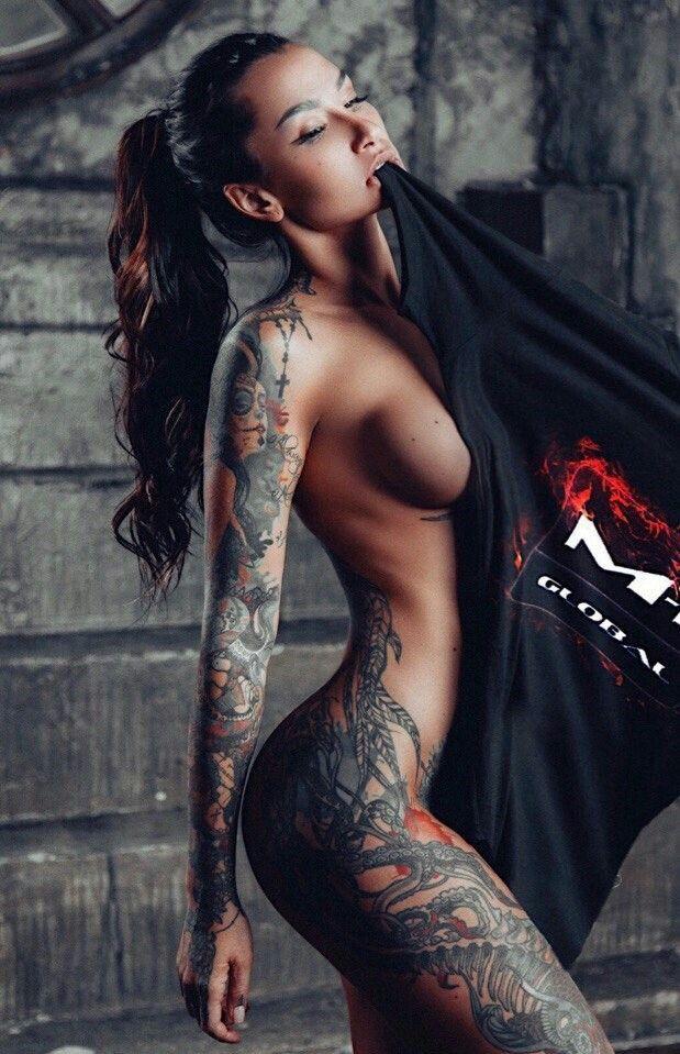 Nude Celeb photos