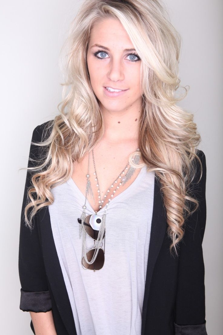 Beautiful long blonde hairstyle for homecoming and prom hair