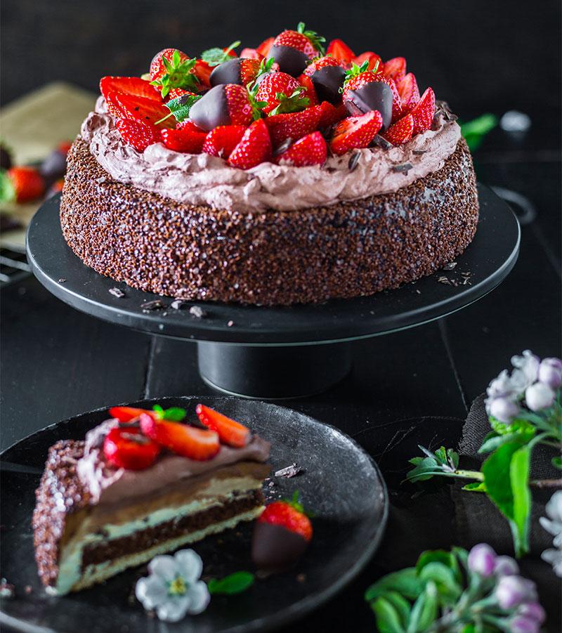 Schnelle Schokoladen Erdbeer Torte In 2020 Erdbeer Torte Torten Rezepte Torten