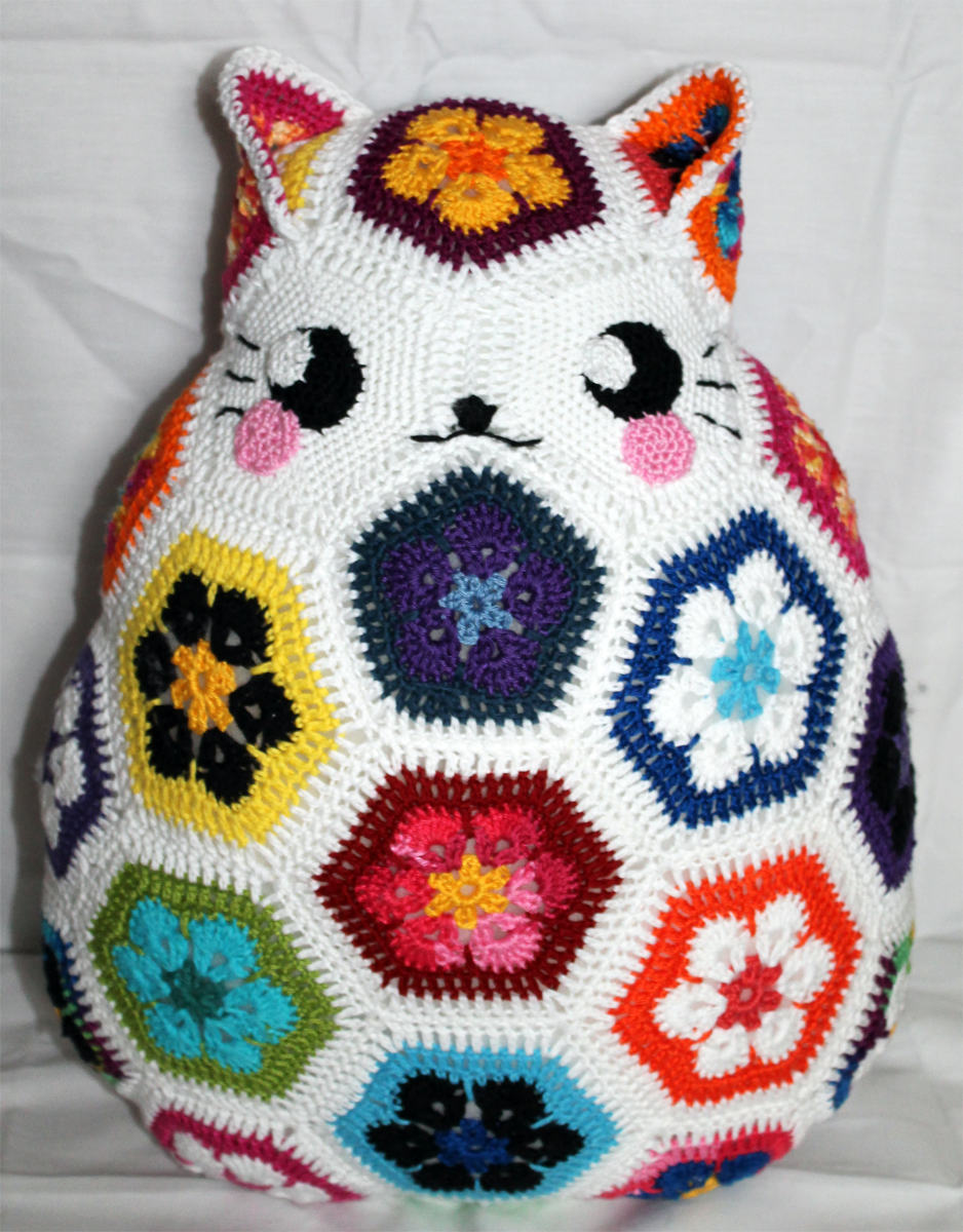 Ive made myself a kitty african flower pillow today no pattern ive made myself a kitty african flower pillow today no pattern used bankloansurffo Choice Image