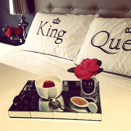 K Q #cute Decor Breakfast In Bedroom  Queen Tea #red Roses Gorgeous King And Queen Bedroom Decor Decorating Design
