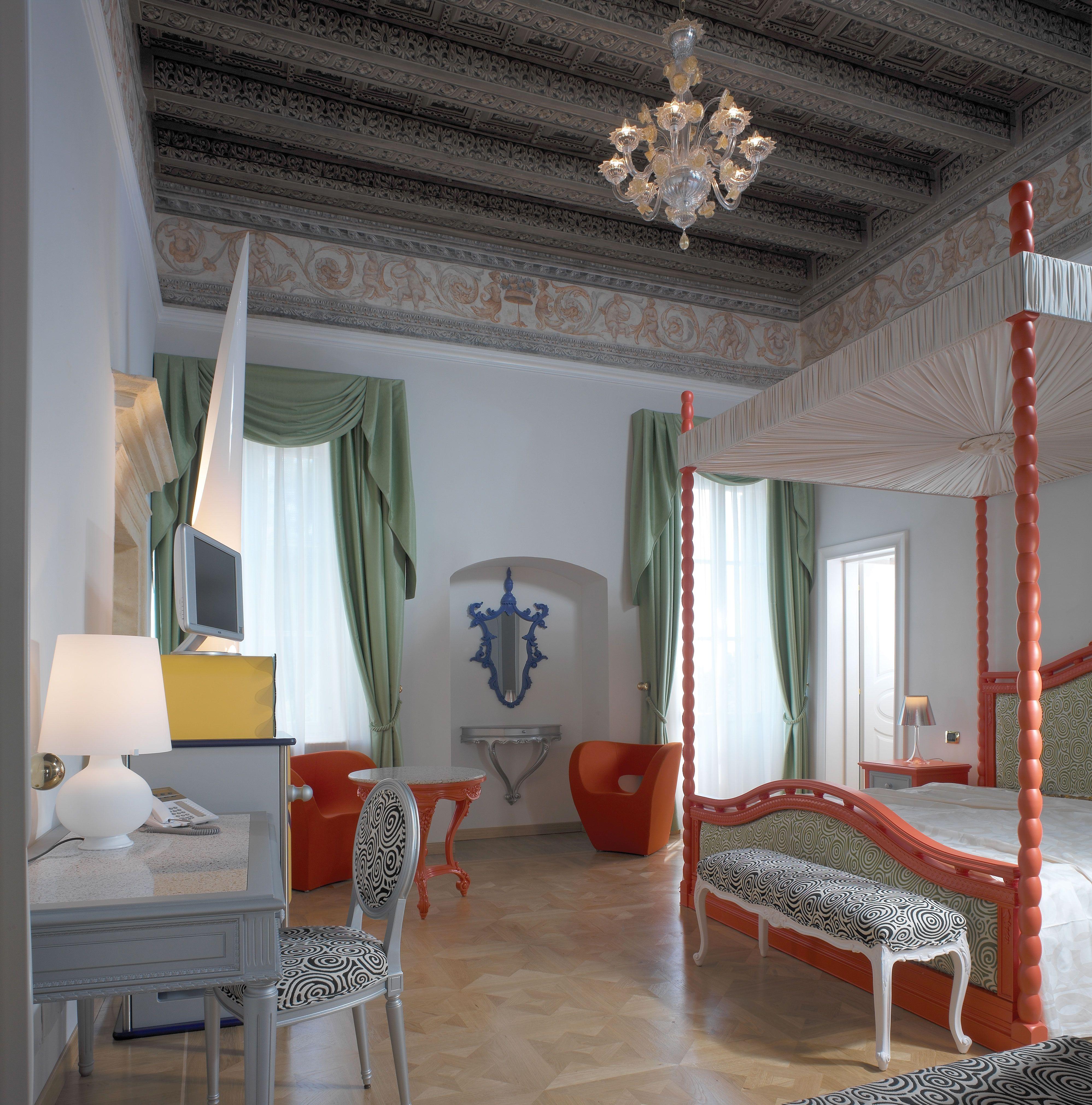 Berti pavimenti legno, disegni artistici Byblos Art Hotel