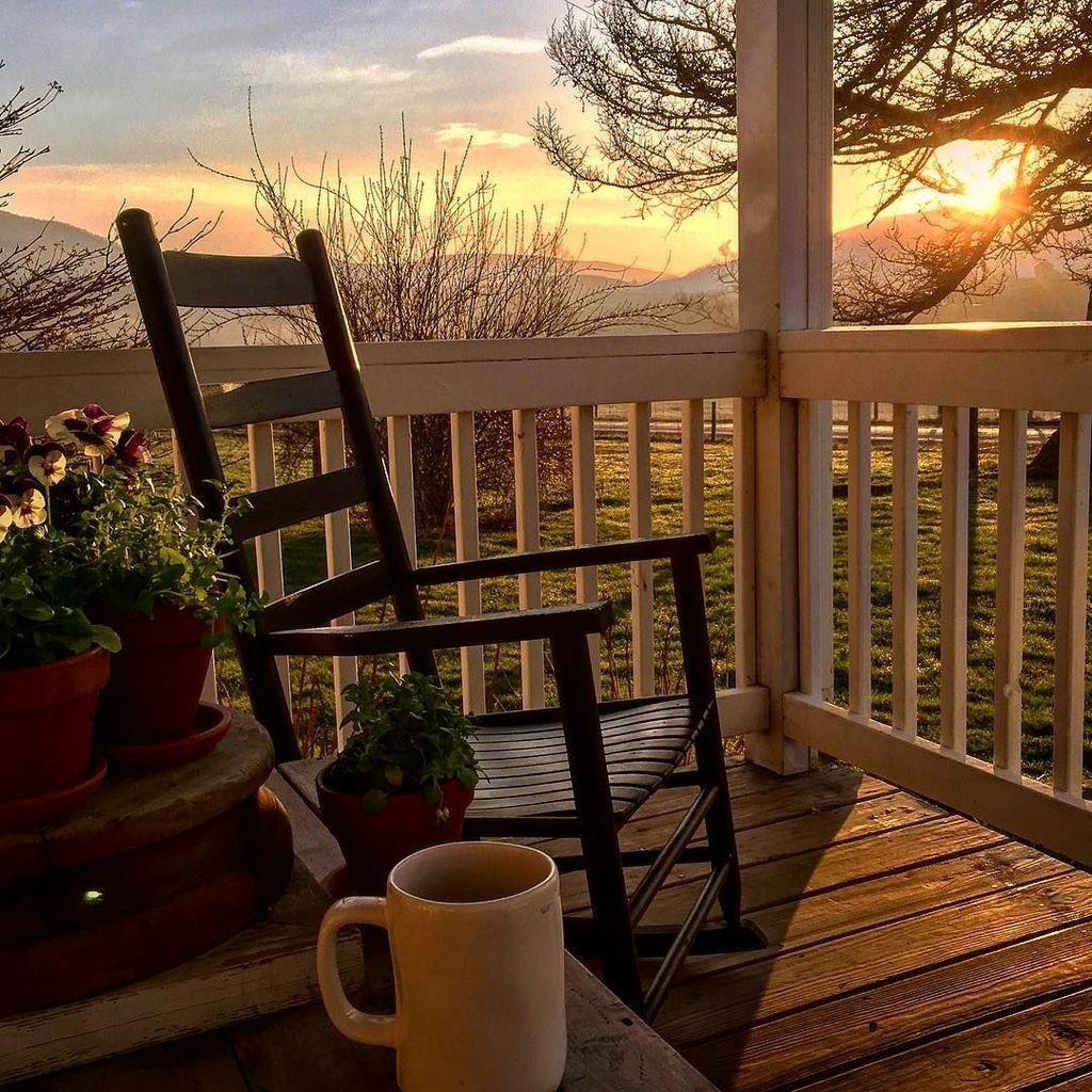 46 Stunning Spring Front Porch Decoration Ideas
