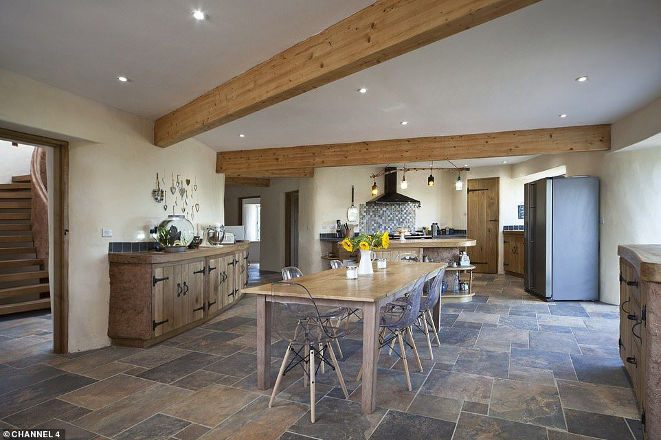Grand Design S Return To Cob House That Broke Up Family Best Ever In 2020 Cob House Grand Designs House