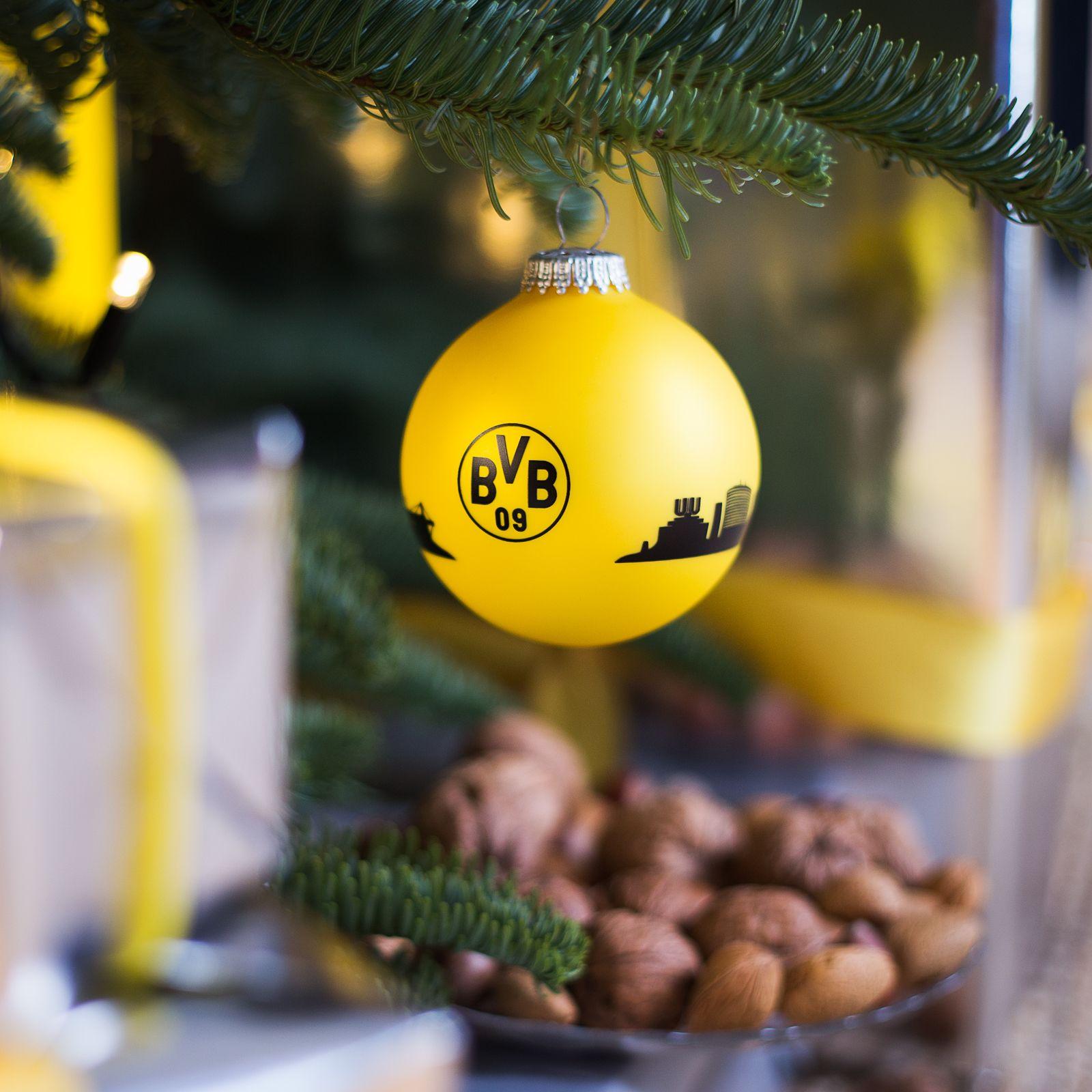 Bvb Weihnachtsbaum.Die Ganze Stadt An Eurem Weihnachtsbaum Dortmund Hat Ja Bekanntlich