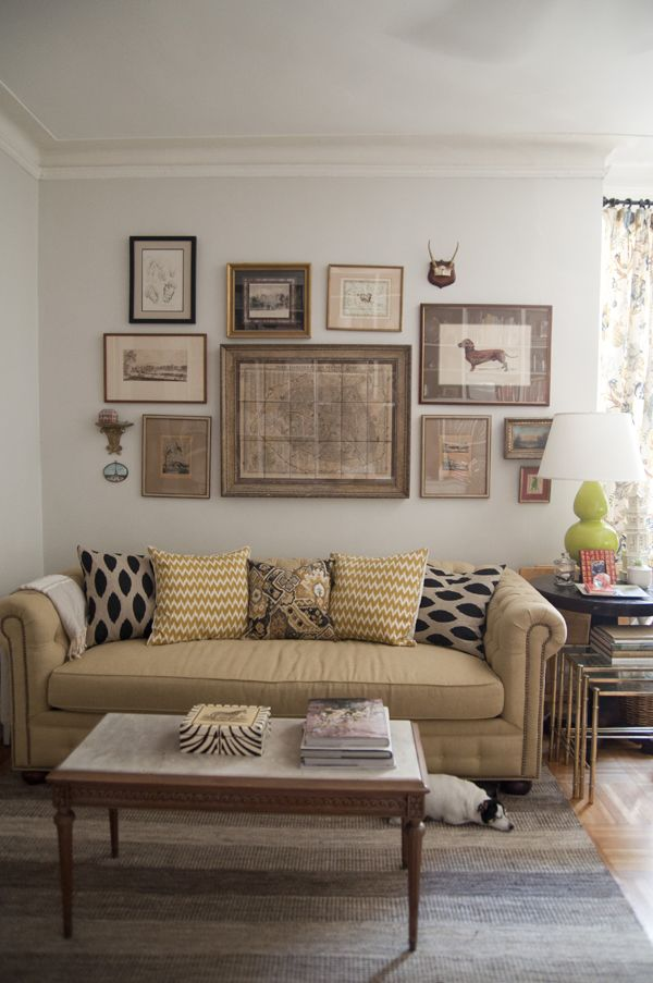 Living Room Wallpaint Benjamin Moore Classic Gray Couch Horchow Photography By Lauren