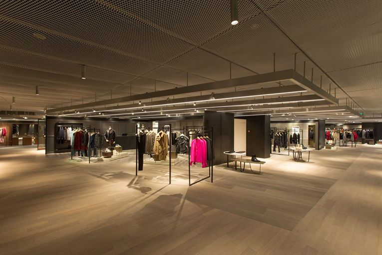 superfuture :: supernews :: beijing: i.t store opening