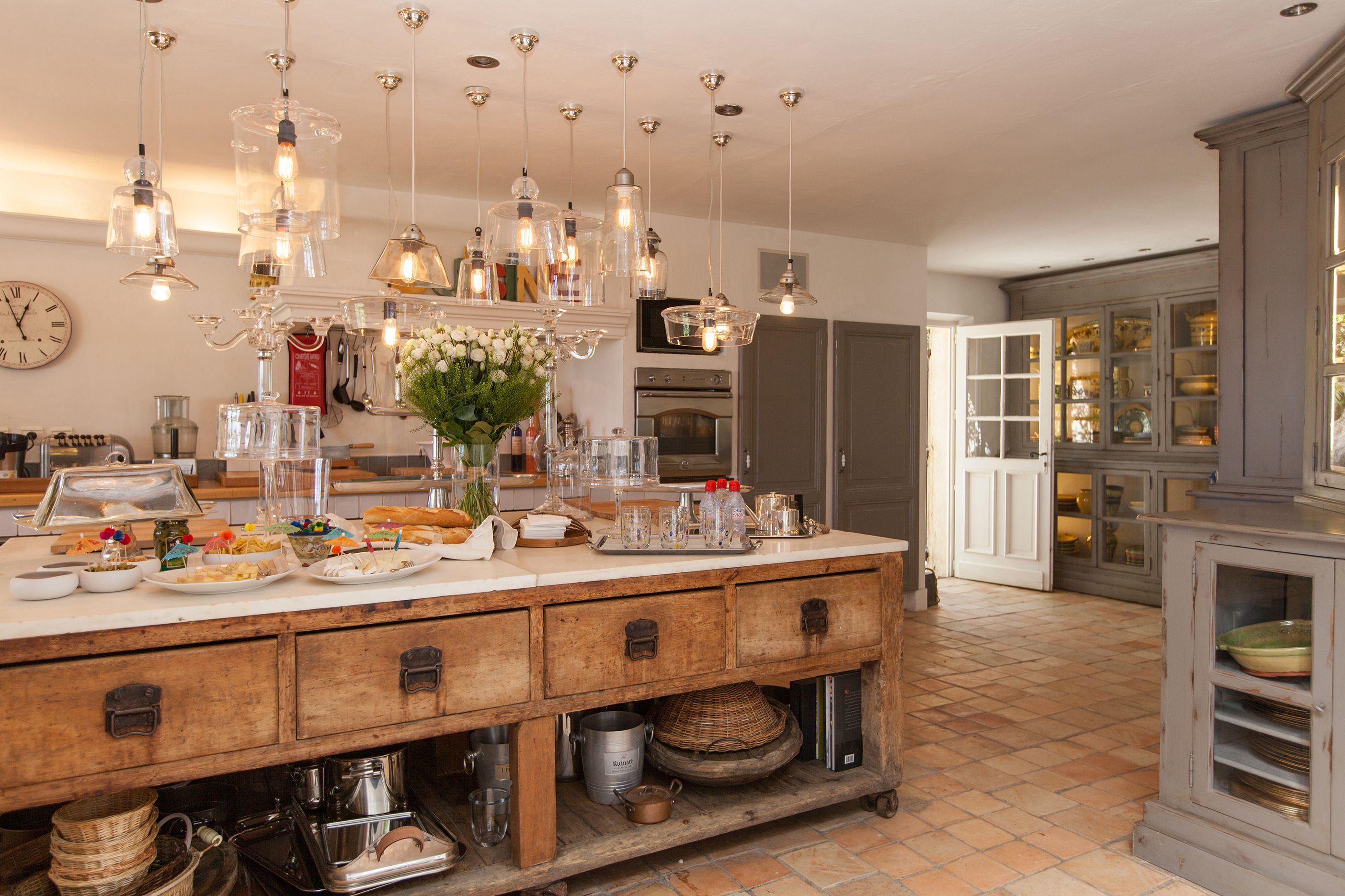 How to make a kitchen in the Provencal style