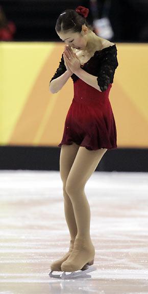 black and red figure skating dress, fumie suguri, 2006 Olympics