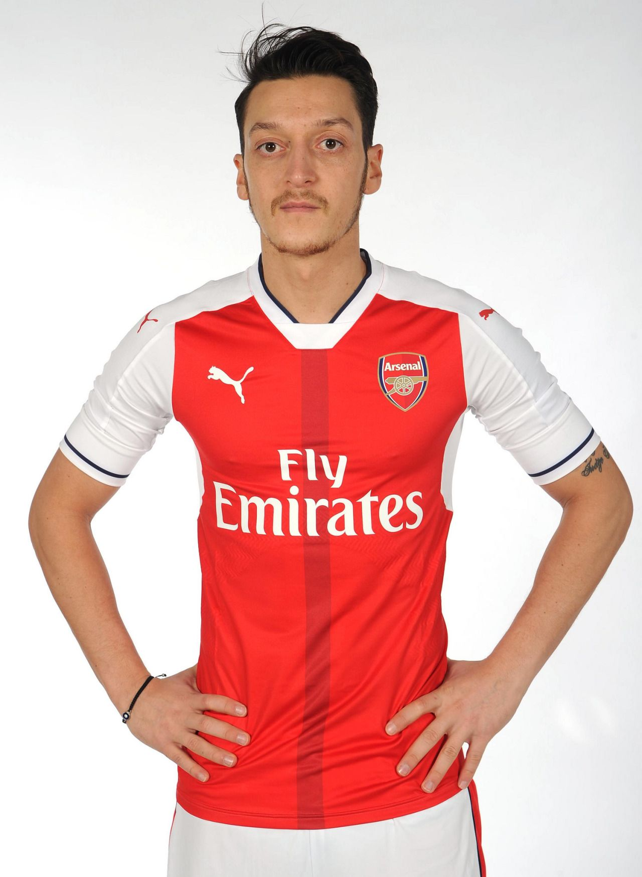 53c3b930d75 football is my aesthetic. Mesut Ozil 16 17 Kit
