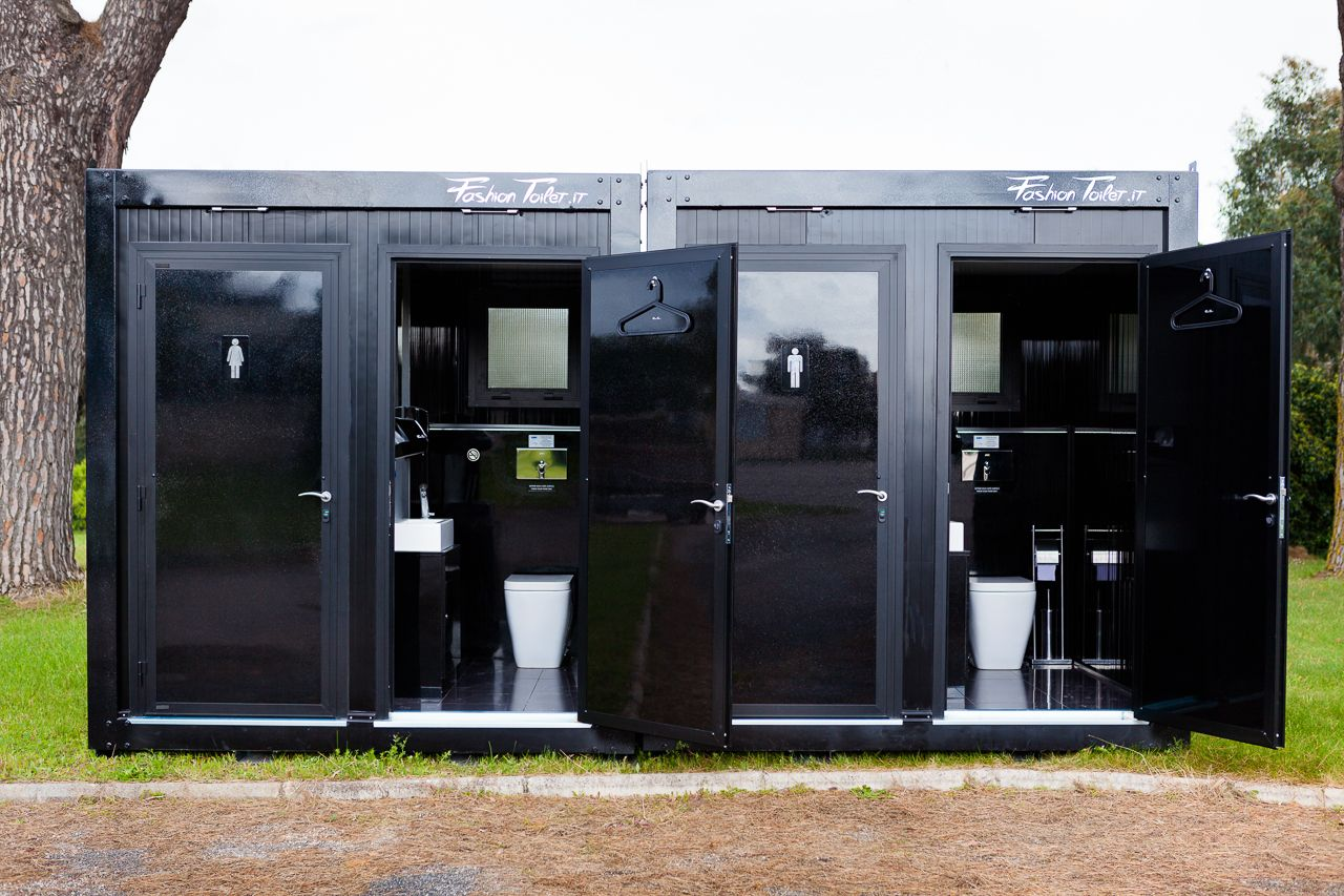 Fashiontoilet mobile bathrooms rentingforevents for Mobel luxus designer