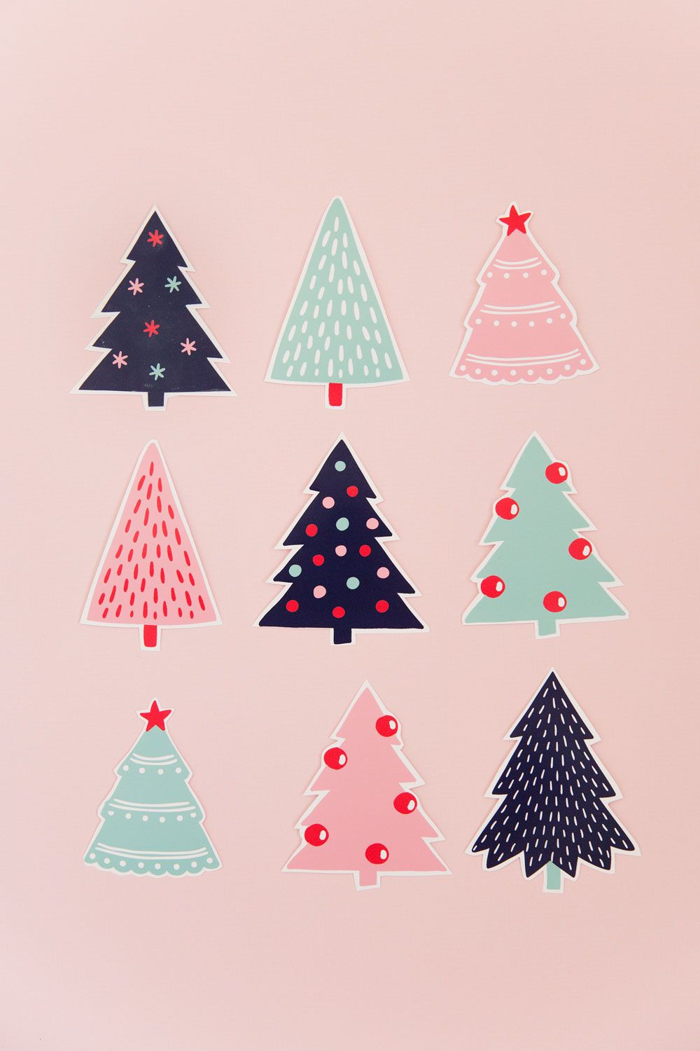 FREE PRINTABLE CHRISTMAS TREE GIFT TAGS - Tell Love and Party #christmasbackgrounds