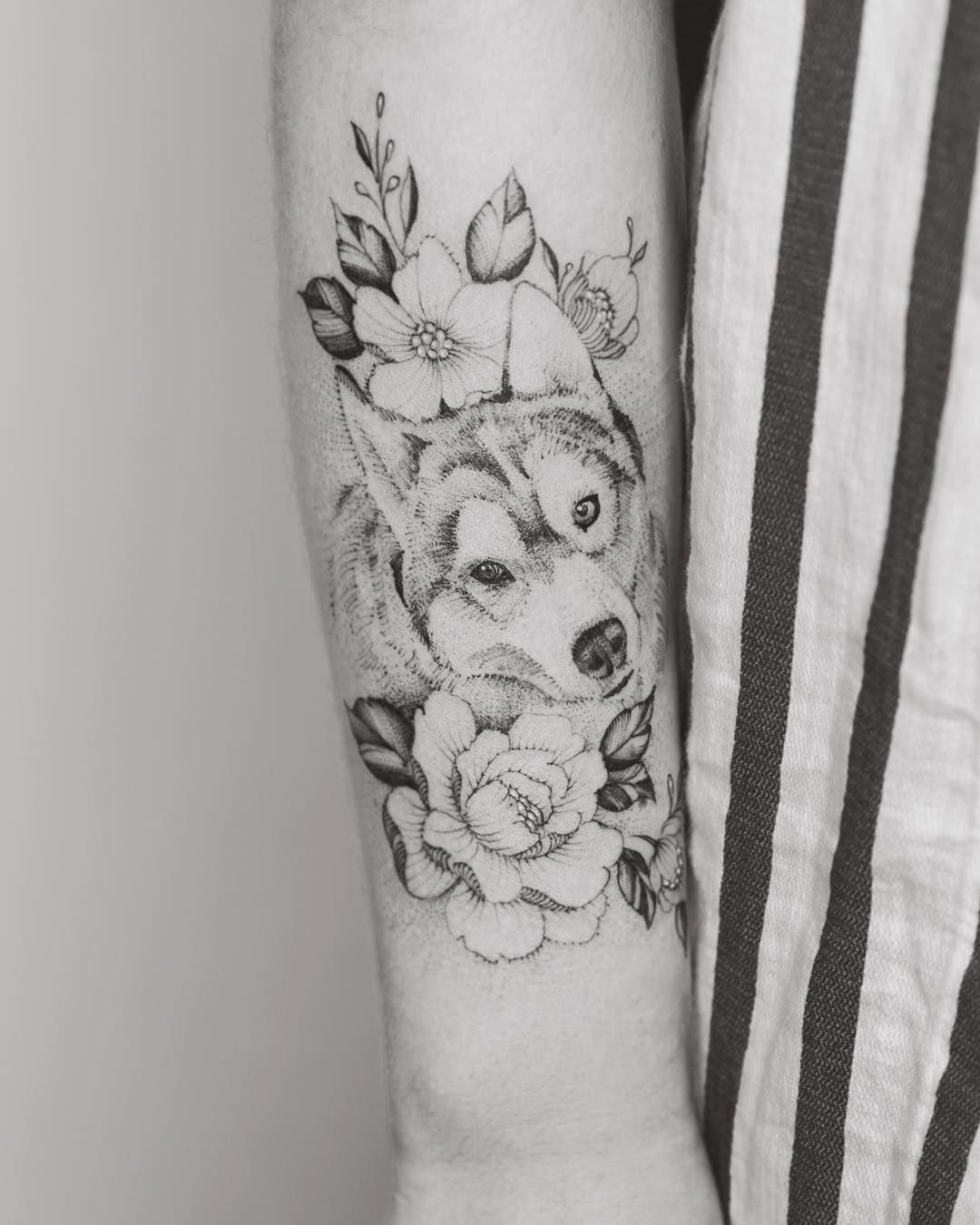 9f2fdc0c8e629 Cute flowers and wolf tattoo design on forearm by @tritoan__seventhday