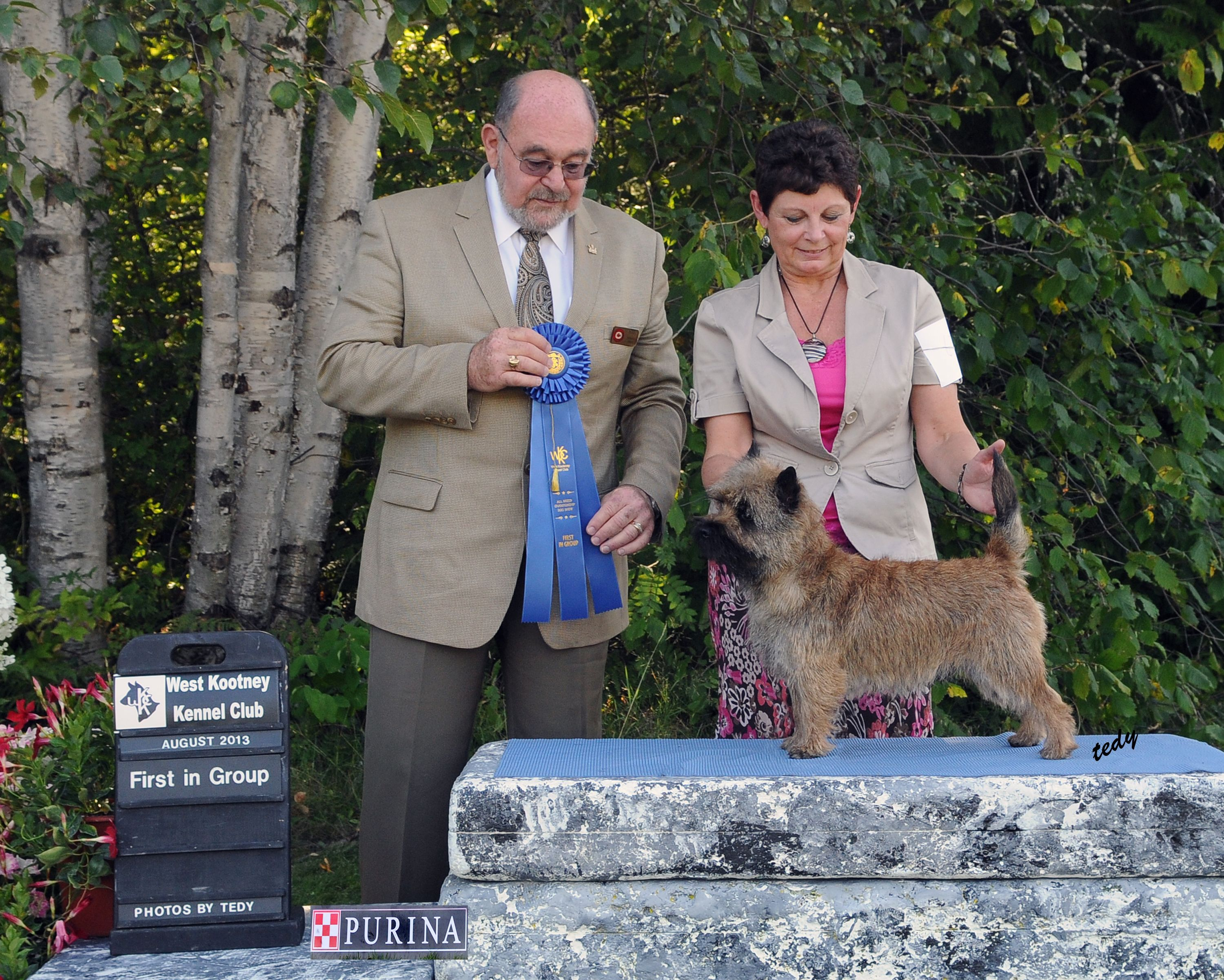 Canadian GCH Grayfriar's Max CGN taking Group 1st at the
