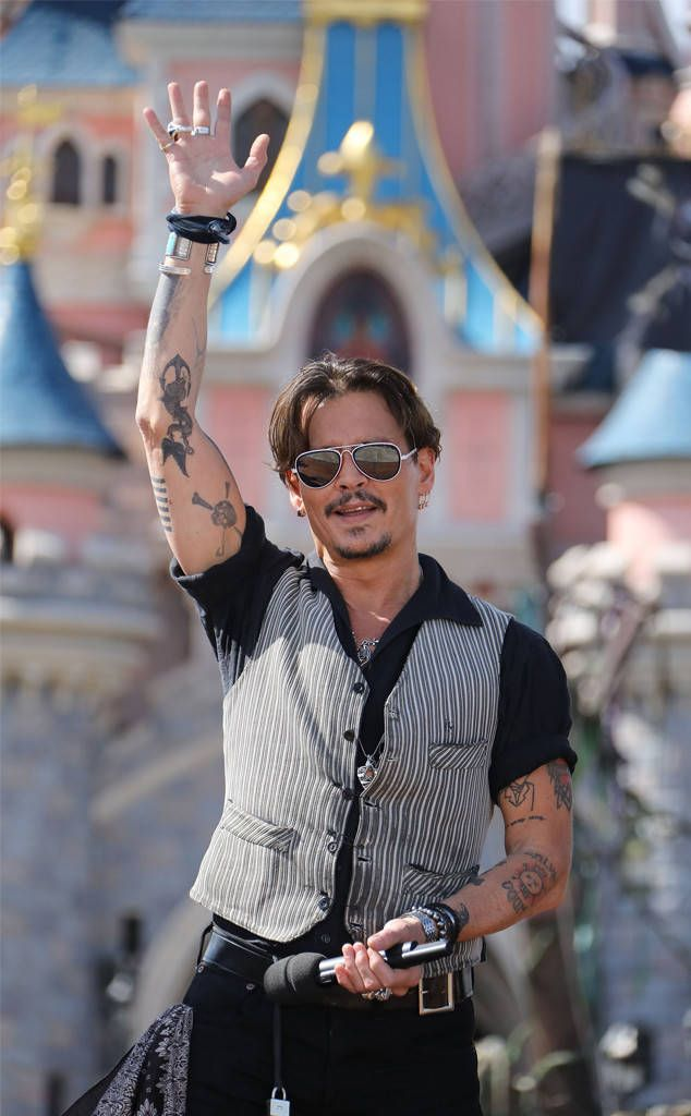 Johnny Depp⋅ from The Big Picture: Today's Hot Photos The captain is back! The actor is seen attending the European premiere of Pirates of the Caribbean: Dead Men Tell No Tales.