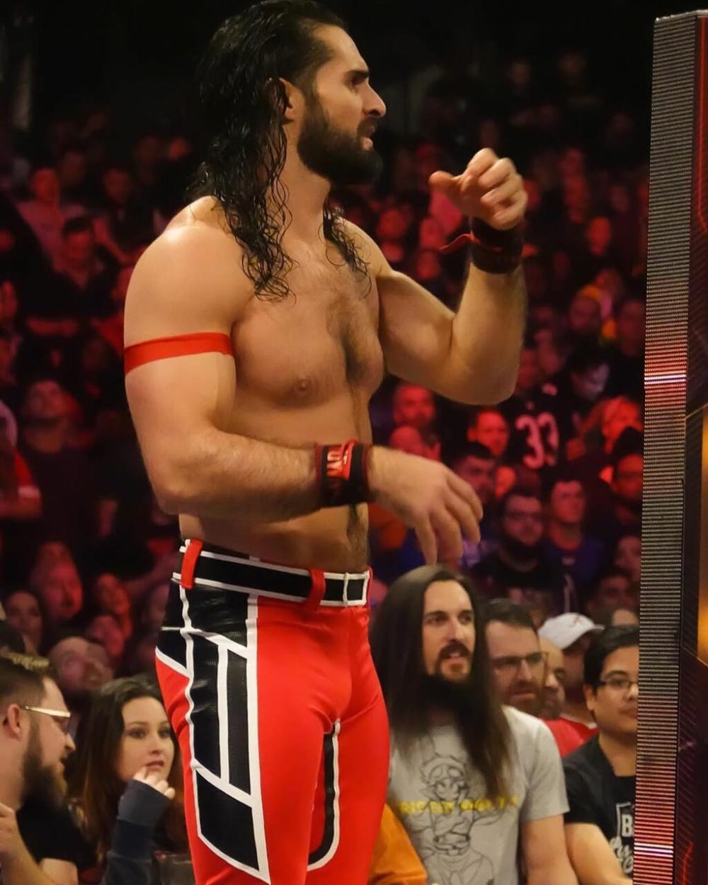 Wwe Seth Rollins E The Shield Imagem No We Heart It In 2020 Seth Rollins Seth Rollins Shield Wwe Wrestlers