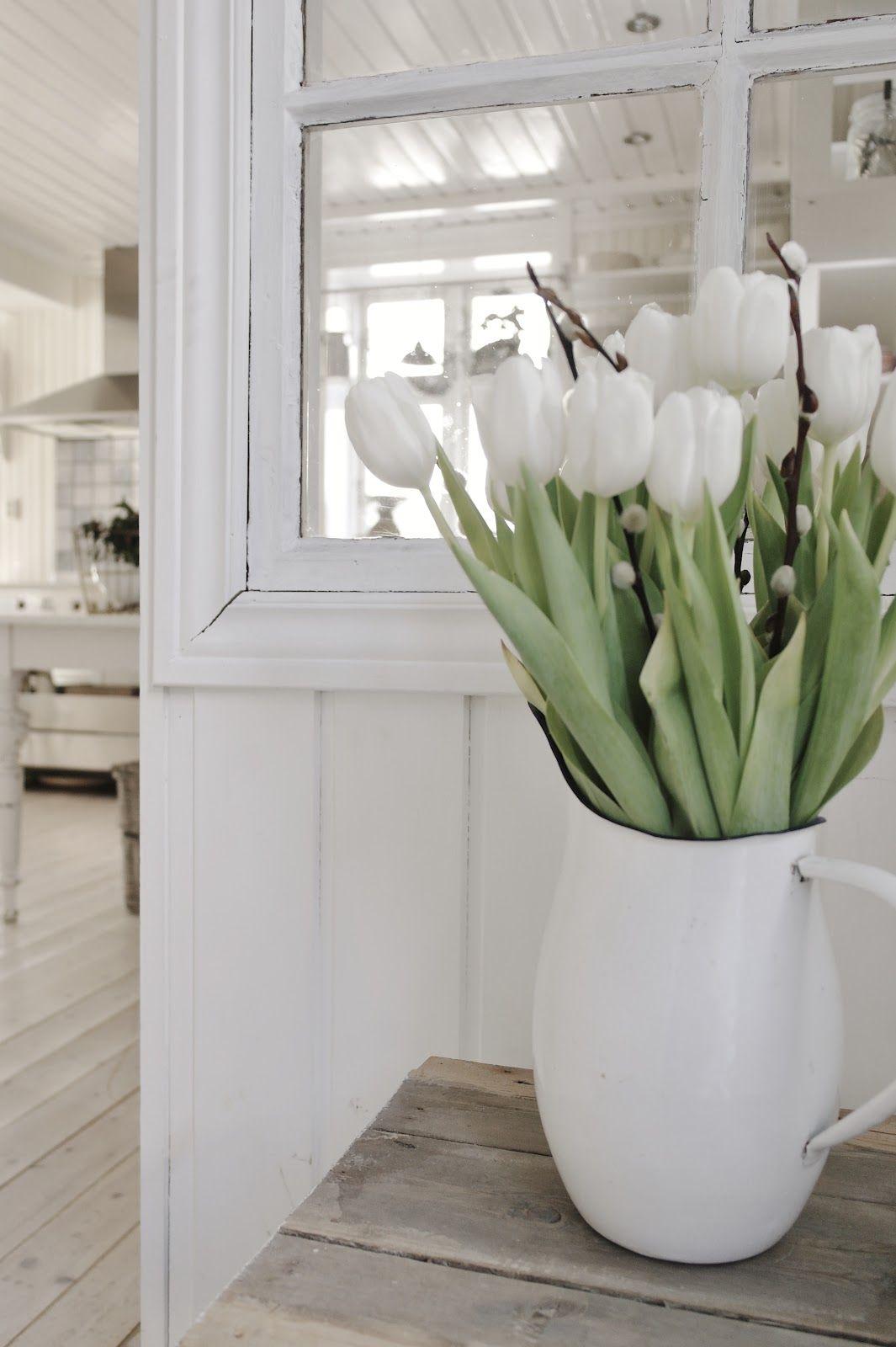 ᎢᎥթʂƴ ᎢuℓᎥթ Ꮯɧαʈҽαų Tulipe blanche, Bouquet de fleurs