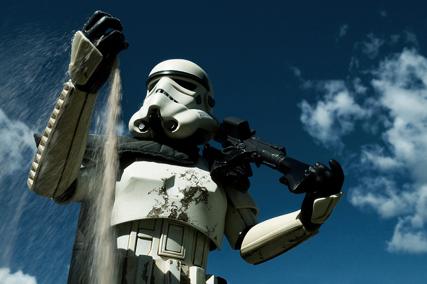 Here's a collection of incredibly stunning Star Wars toy photography, that were created by Photographer Avanaut. Each picture has a great sense of motion to it as well.