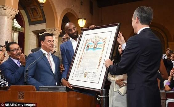 Nba Legend Kobe Bryant Honored With His Own Day The Kobe Bryant Day By Los Angeles Mayor Photos Kobe Bryant Nba Legends Kobe