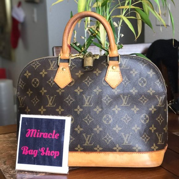 7c3fcaebaec I just added this to my closet on Poshmark  Authentic Louis Vuitton Alma Pm.  Price   450 Size  16