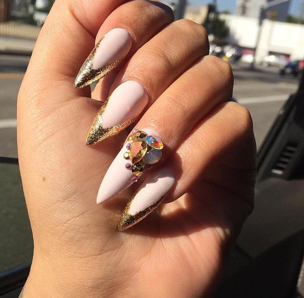 Pin van Els-bonte op Witte Nagels   Pinterest - Witte nagels en Nagel