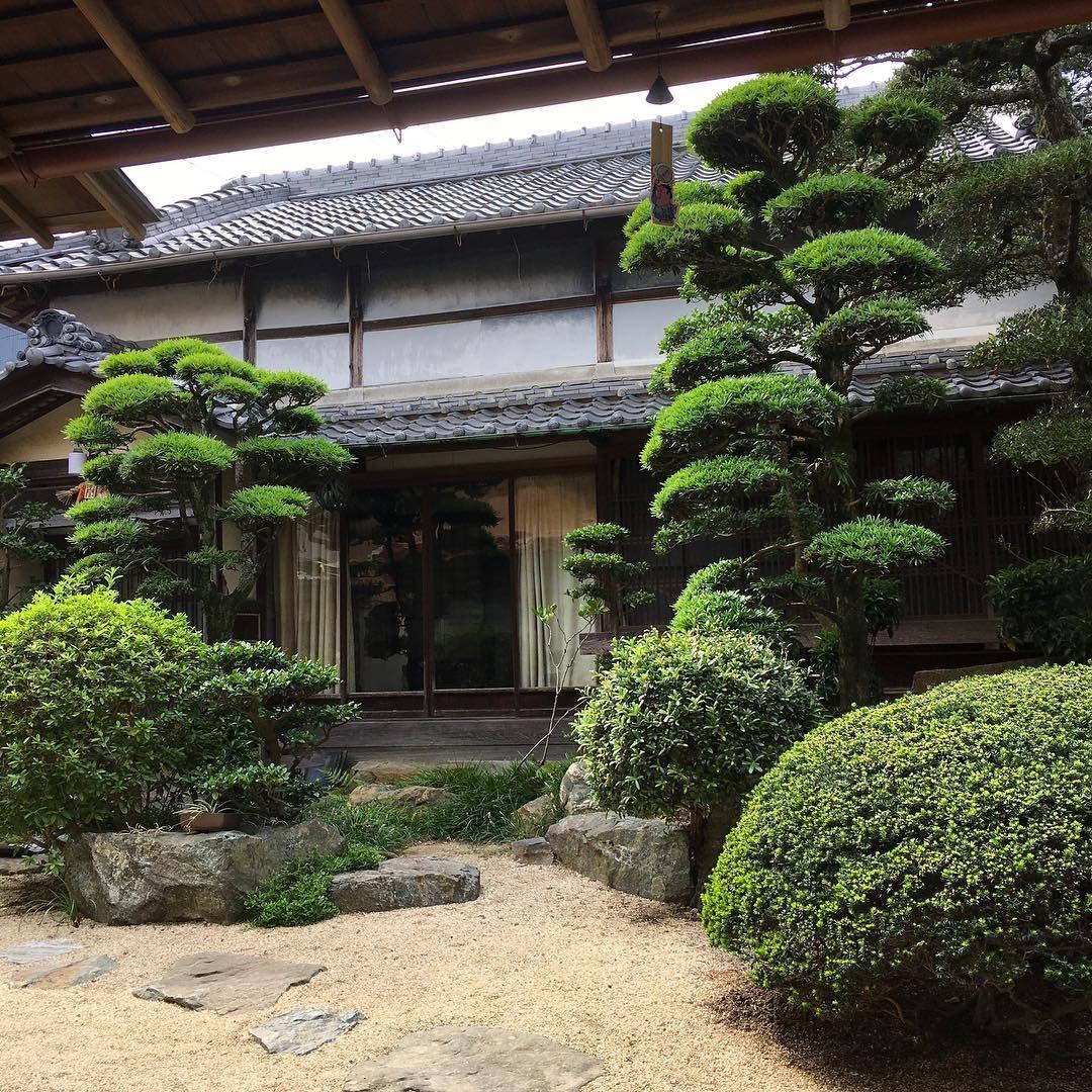 inside of a traditional japanese house japanese garden in rh pinterest com