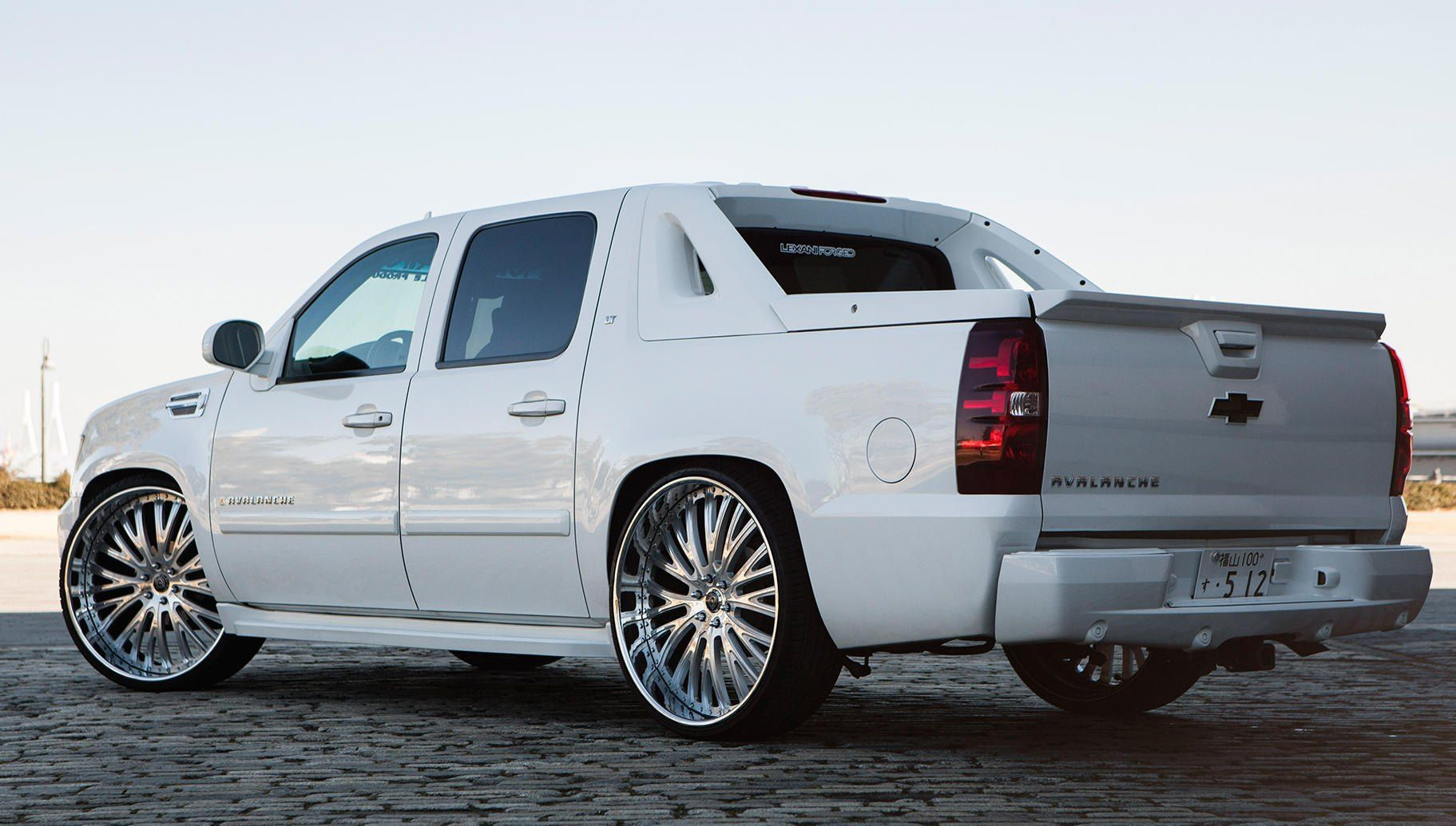 Snow White Chevy Avalanche On Lexani Chrome Wheels Avalanche
