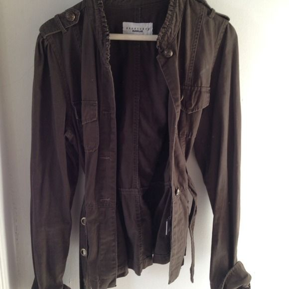 Sanctuary military inspired khaki belted jacket Super cute surplus style Sanctuary belted jacket. Gold detailed buttons and tiny ruffled fringes make the jacket handsome, yet feminine. Hits below the waist. Additional pictures upon request! Sanctuary Jackets & Coats