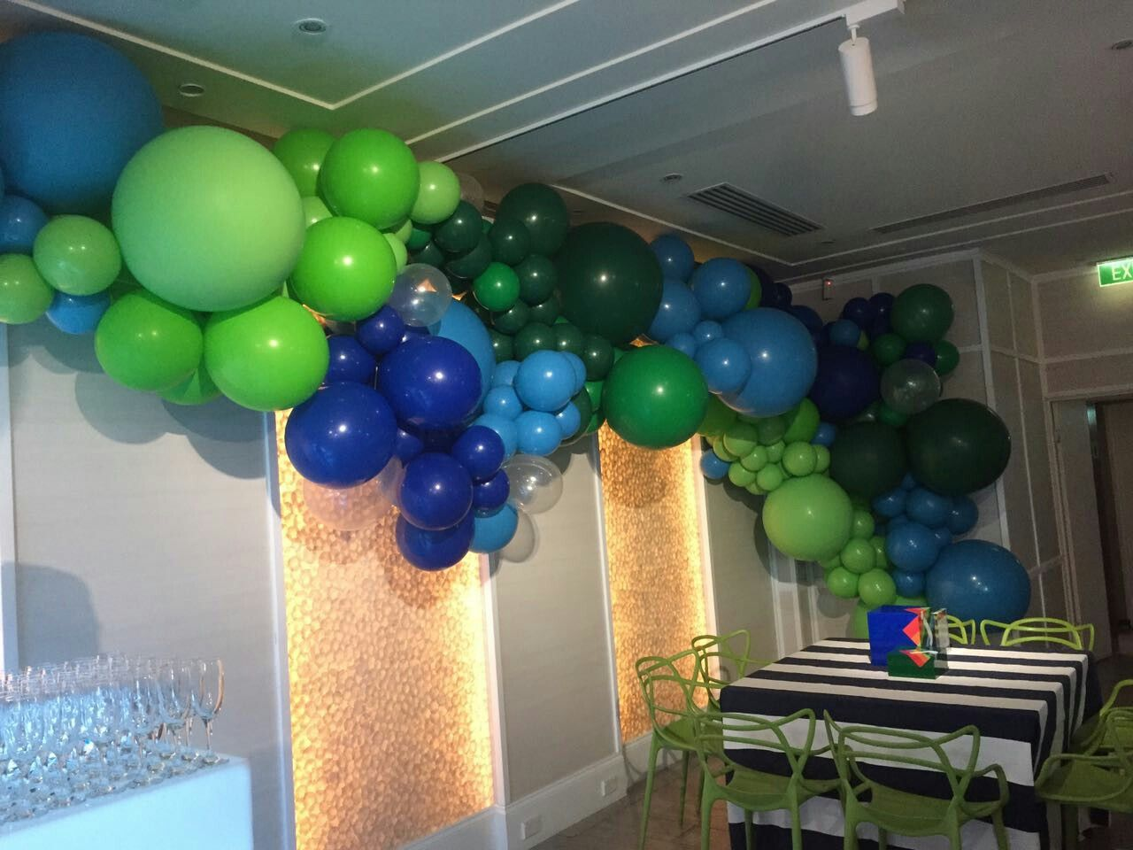 Organic balloon garland Greens and blues Organic