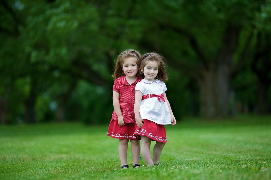 Cute Twin Babies Wallpapers Hd Wallpapers 1920 1280 Twins Wallpapers
