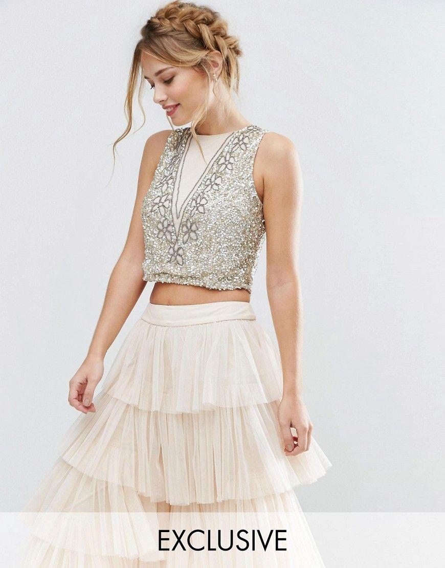 3d0a129378 Cómpralo ya!. Top corto con adornos de flores de Lace   Beads. Top ...