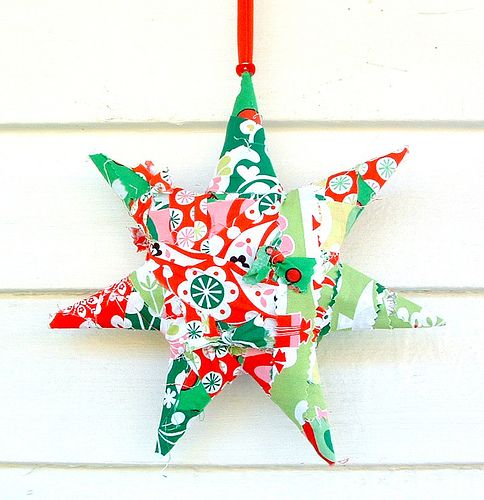 12 inch fabric rag Christmas Star - More info: http://stunninghomedecor.com/2015/07/04/12-inch-fabric-rag-christmas-star/