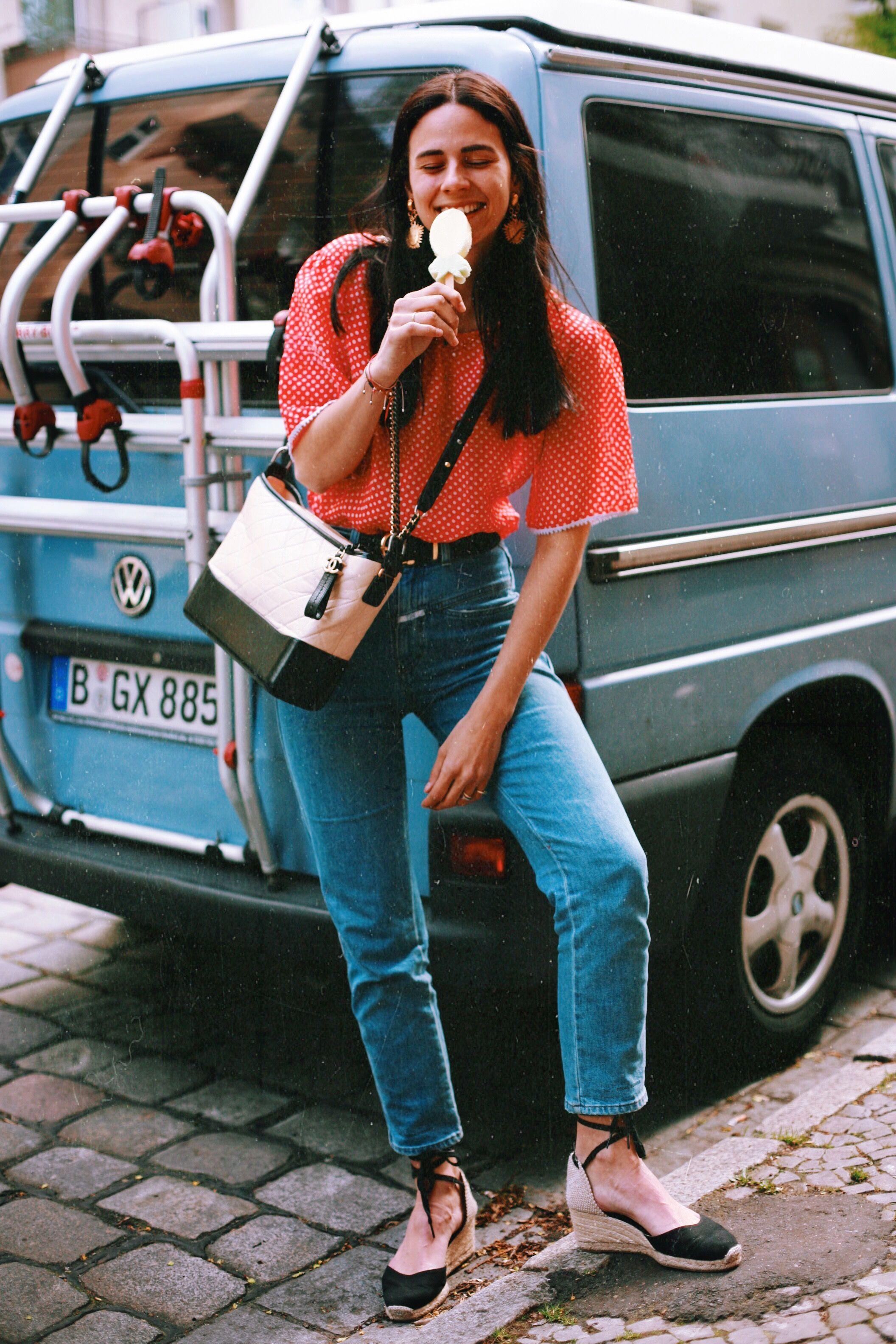 8 Ways to Wear    Jane Wayne x The Chanel Gabrielle Bag  63d0662479a0c