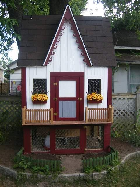 Cutest chicken coop ever!! With complete directions on making it yourself!