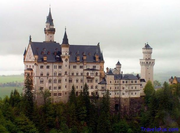 The Hotel Castles Of Germany Together With Their Legends Mysteries And Captivating Stories About The For Germany Castles Neuschwanstein Castle Castle Bavaria