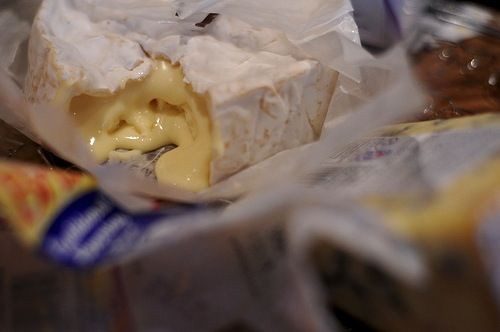 Camembert Is A Bloomy Rind Cow S Milk Cheese Which Comes From The Normandy Region Of France Most People Are Familiar With This Cheese Eat How To Make Cheese