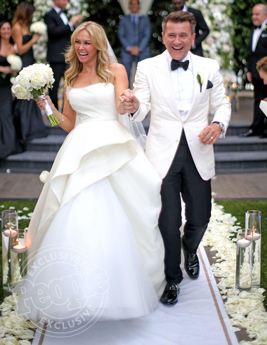 Kym Johnson S Wedding Dress To Robert Herjavec Caught On Fire