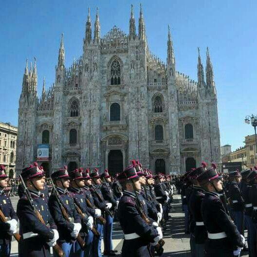 Scuola militare Teuliè - giuramento del XX corso Berardi al Duomo di Milano