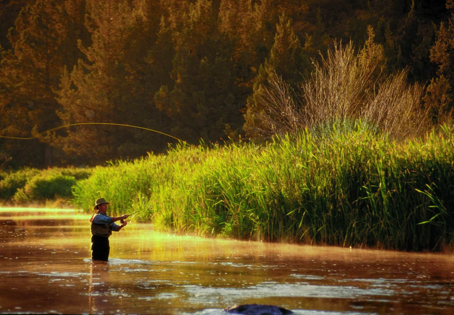 Eagle Crest Is An Ideal Base Camp For Central Oregon Recreation In All Four Seasons Fly Fishing Oregon Fly Fishing Park City