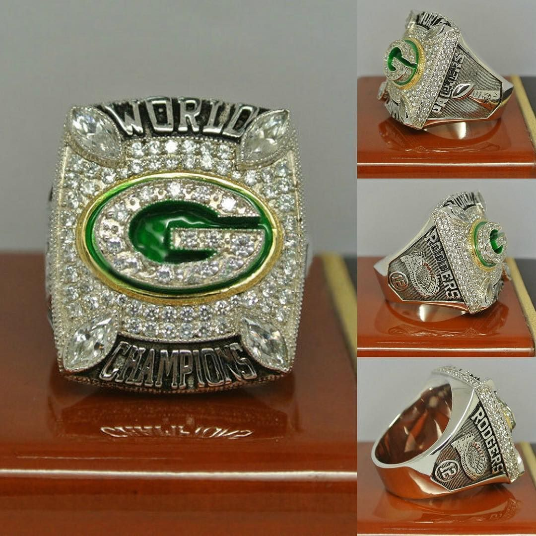 Pin By Chris On Championship Rings In 2020 Championship Rings Nfl Championship Rings Green Bay Packers Crafts