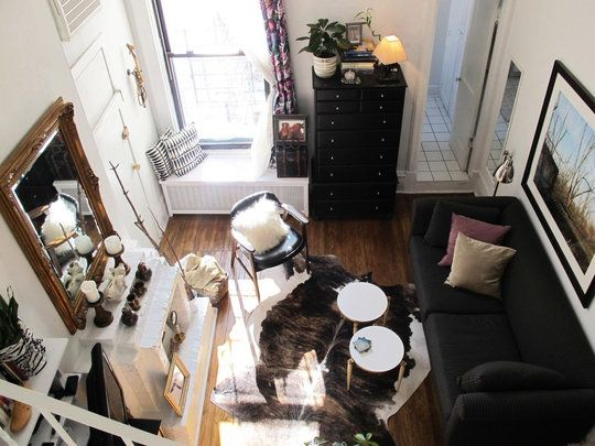 This is an actual Chicago studio; 375 Square Foot Home http://community.apartmenttherapy.com/contests/smallcool/2011/entries/1278